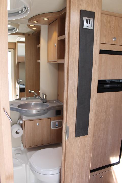 wohnmobil kaufen sunlight aus vermietung top occasion. Black Bedroom Furniture Sets. Home Design Ideas