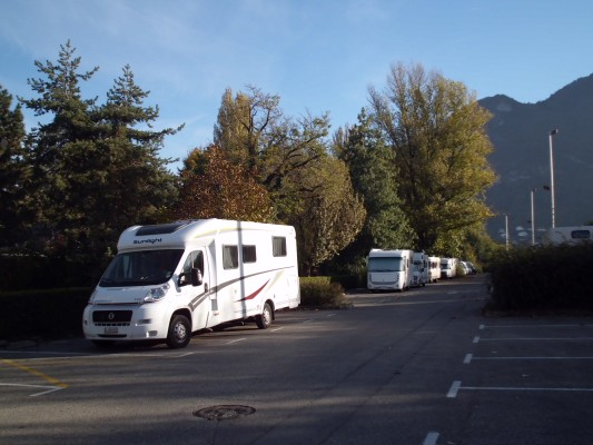 Parking in France, tolerated RVs in autumn
